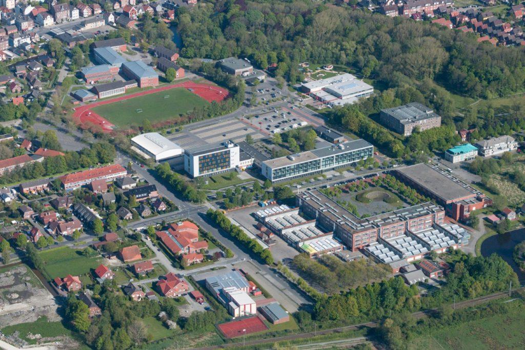 Luftaufnahme vom Schulzentrum am Steinweg