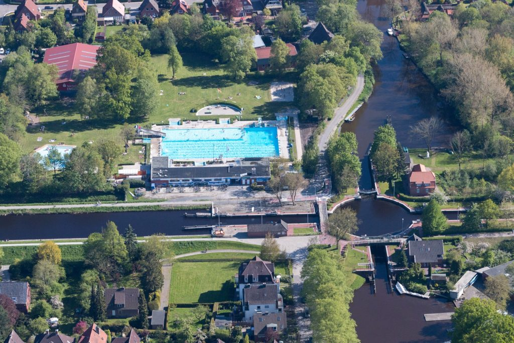 Luftaufnahme vom van-Ameren-Bad Emden